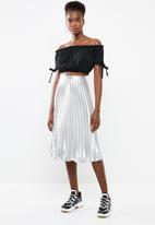 New Look - Go short sleeve frill bardot crop - black