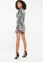 Missguided - Sequin plunge shoulder pad mini - black & white