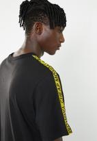 Cheap Monday - Boxer logo short sleeve tee - black