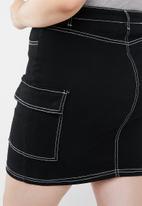 Missguided - Curve contrast stitch denim skirt - black