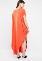 STYLE REPUBLIC PLUS - Maxi dress with side slits - orange