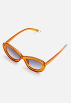 Superbalist - Skylar cat eye sunglasses - orange