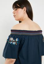 STYLE REPUBLIC PLUS - Boho embroidered bardot top - navy
