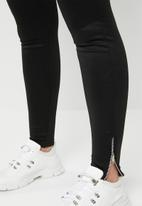 STYLE REPUBLIC PLUS - Zip leggings - black