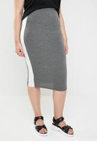 STYLE REPUBLIC PLUS - Racing stripe figure hugging skirt - grey