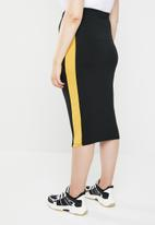 STYLE REPUBLIC PLUS - Racing stripe figure hugging skirt - black