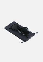 Superbalist - Zendaya diamond sunglasses - black