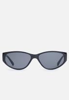 Superbalist - Gisele sunglasses - black
