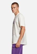 adidas Originals - Kaval graphic tee - white