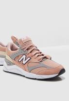 New Balance  - X90 Re-Construct - pink