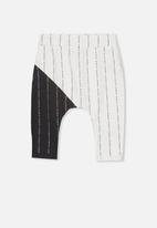 Cotton On - Frankie pant - black & white