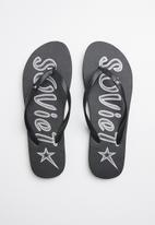 SOVIET - Jamie flip flops - black