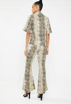 Missguided - Snake print shirt and trouser coord - brown & black