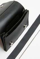 Superbalist - Kelsey clutch - black