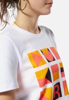 Reebok Classic - Gigi Hadid x Reebok T-shirt - white