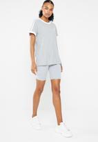 adidas Originals - 3 Stripe tee - grey