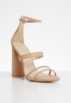 Public Desire - Zine three strap block heel - beige
