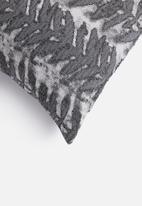 Grey Gardens - Vine cushion cover - grey