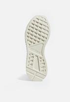 adidas Originals - Deerupt Runner - off white/shock red