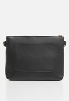STYLE REPUBLIC - Leather-look slingbag - black