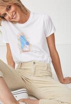 Cotton On - Tbar fox Santorini graphic tee - white