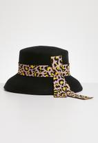 Superbalist - Felt bucket hat - black