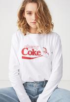Cotton On - Tbar Tammy chopped cherry Coke graphic tee - white