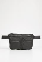 Superbalist - Cole waist bag - black