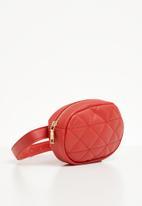 Superbalist - Nomi quilted waist bag - red
