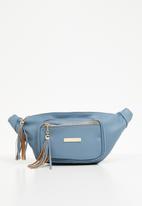 BLACKCHERRY - Tassel detail moon bag - blue