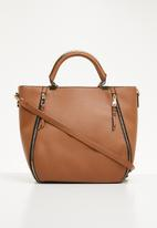 New Look - Jane zip detail metal handle bag - tan