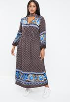 STYLE REPUBLIC PLUS - Boho bell sleeve maxi dress - multi