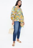 STYLE REPUBLIC PLUS - Romantic volume wrap blouse - multi