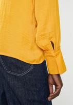 Vero Moda - Sandra long sleeve shirt - yellow