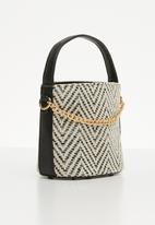 STYLE REPUBLIC - Woven slingbag - black & cream