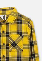 Cotton On - Noah long sleeve shirt - yellow