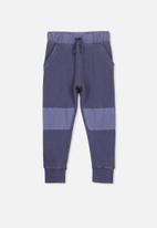 Cotton On - Kendra premium trackpant - blue