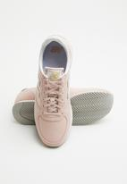 New Balance  - Classic Running - light pink