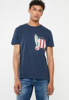STYLE REPUBLIC - Pia printed tee with chest pocket - navy