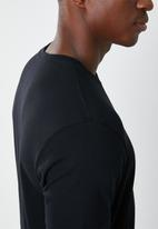 RVCA - Colour label short sleeve tee - black