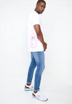 RVCA - Mind bottling short sleeve tee - white & pink