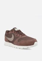 Nike - MD Runner 2 - plum eclipse/pumice-white