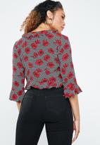 Forever21 - Floral flute sleeve top with ties - multi
