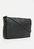 New Look - Stitch PU messenger - black