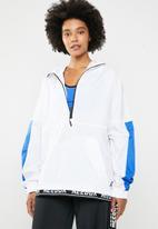 Reebok - Workout myt novelty woven training jacket - multi