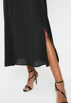 Superbalist - Ruffle neckline maxi dress - black