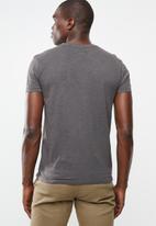 STYLE REPUBLIC - Soft pocket tee - grey