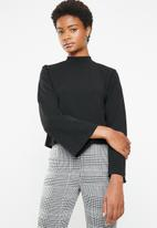 Superbalist - Boxy top with flute sleeve - black