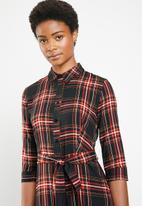 Superbalist -  Shirt dress -black & red