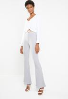 Missguided - Matte ribbed flare trouser - grey